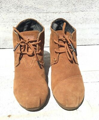 c7a7570eac2 womens toms size 7.5 suede lace up wedge ankle boots desert tan