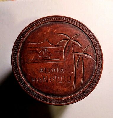 12 1950's VINTAGE KOA WOOD ALOHA HONOLULU COASTERS IN WOODEN BOX