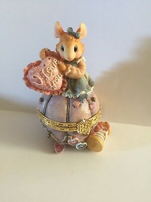 Mouse In The House Collectible Figurine sew Many Hearts Trinket Box