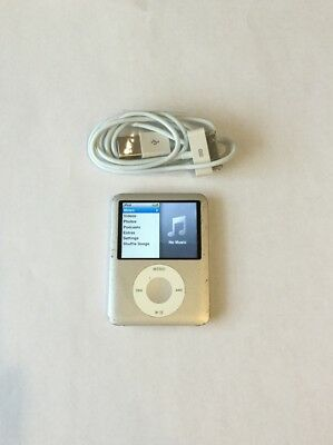 Apple iPod Nano 3rd Generation Silver (4 GB) Fair Condition