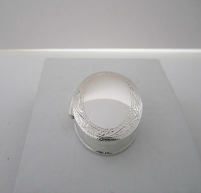 UK Hallmarked 925 Silver Engraved Oval Trinket/ Pill/ Snuff Box Ref: SPB 008
