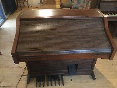 organ player in very good condition $500 or nearest offer