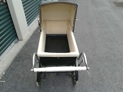 Vintage Harris  Baby Stroller/ Carriage with Chrome Fenders-