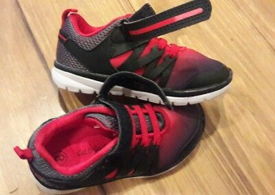488cac873878 cat   jack boy girl toddler sneakers shoes sz 8 red black velcrow EUC
