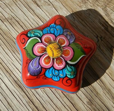 Red Star Mexican Folk Art Pottery Painted Colorful Trinket Box Glitter Mexico