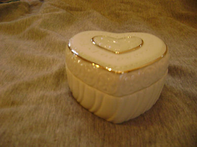 LENOX MUSICAL SENTIMENT BOX 24KT NEW IN BOX GIFT JEWELRY RING love