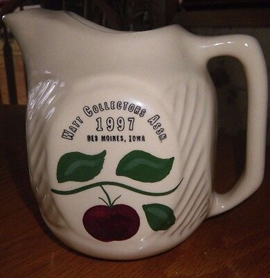 Watt Pottery Refrigerator Pitcher Apple 3 L 1997 Collectors Des Moines Iowa 69