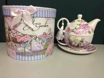 Gift Boxed LOVELY GARDEN 3 piece TEA FOR ONE teapot and teacup set