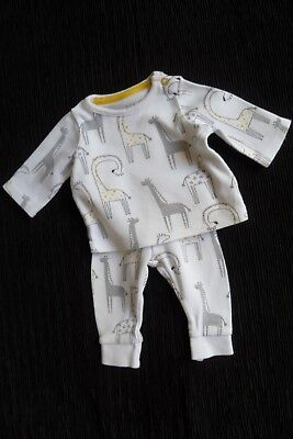 Baby clothes UNISEX BOY GIRL premature/tiny<5lbs/2.3kg white giraffe outfit