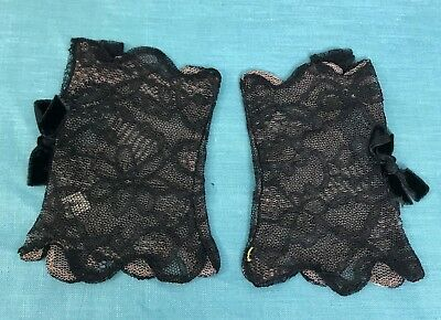 Antique Black Lace Gloves Fingerless with Nude Net Lining Velvet Bow