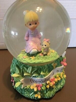 2000 Precious Moments Friendship Is A Sunny Day Musical Snow Globe Good Old Summ