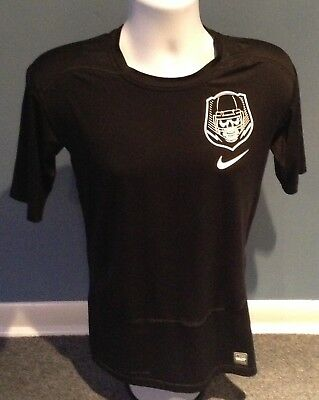 bed7f709 Nike Pro Combat Dri Fit SS Compression Shirt - Skull/Football Logo - Size XL