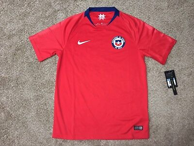 73a0552cec3 Nike Mens Medium 2018 Chile National Home Replica Stadium Jersey Red 893860  673