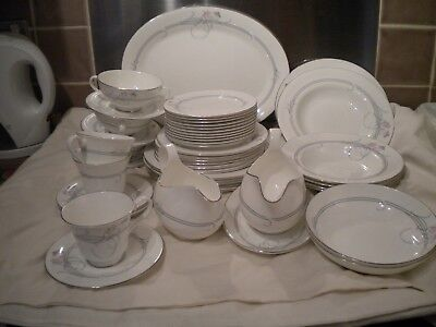 e4db10189bb24 Royal Doulton Allegro 39 piece part Dinner Set   other pieces