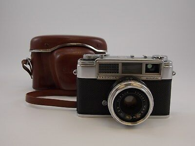 Vintage YASHICA Minister II 35mm RANGEFINDER CAMERA with YASHINON 2.8 4.5cm LENS