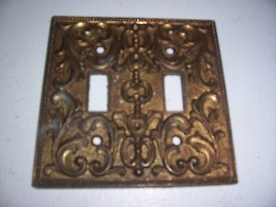 Vtg MC Co Bronze Metal Double Outlet Switch Plate Cover Ornate 3096