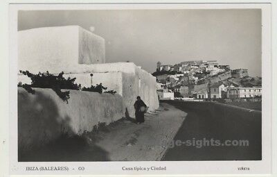 Ibiza / Spain: Casa Típica y Ciudad / View Of Old Town-Castle (Vintage Postcard)