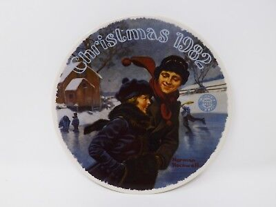"""Knowles """"A Christmas Courtship 1982"""" Collectible Plate - Rockwell"""