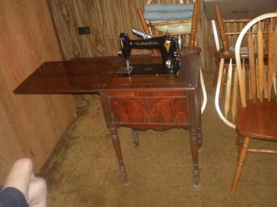 VINTAGE FREE WESTINGHOUSE Sewing Machine In Cabinet 40B 4040 Enchanting Free Westinghouse Sewing Machine Value