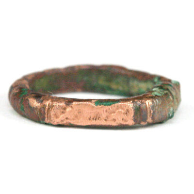 Roman bronze ring the bezel engraved with a galloping horse e4746