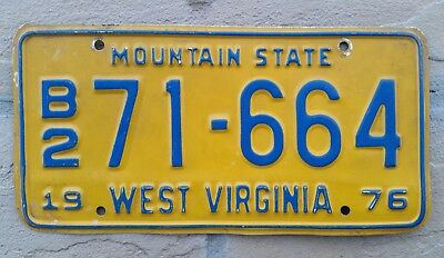1976 West Virginia ~ Mountain State ~ TRUCK ~ License Plate #B2 71-664  W VA