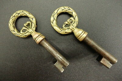 Pair Of Keys, Louis Xvi Style - Bronze - French Antique