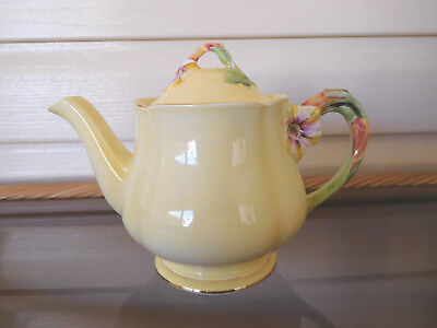 "Royal Winton Grimwades ""Yellow Petunia"" Large Teapot Made In England 1940s"
