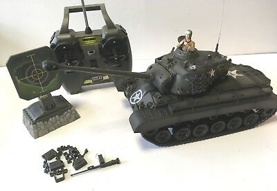 Forces of Valor RC Panzer 1:24 M26 Pershing 27 mHz  24581 gebraucht