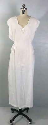 Vintage White Nightgown Hand Embroidered 40s 50s Cotton Batiste Gown L XL 1X