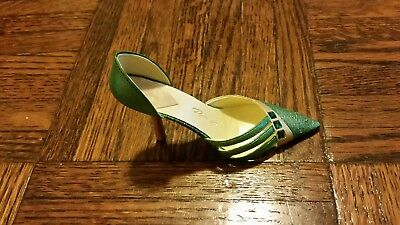 Just the Right Shoe, Exquisite Emerald