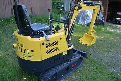Mini Excavator NEW!  VERY TOUGH, Light, and easy to transport, hard to find!