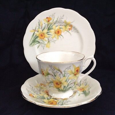 Vintage Royal Albert Bone China Daffodil Friendship Series Plate Cup Saucer Trio