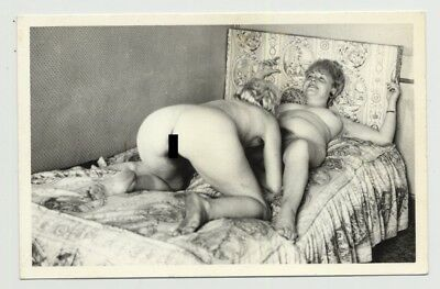 Mature Nude Female Couple On Bed / Lesbian INT - Dirty Feet (Vintage Photo B/W ~
