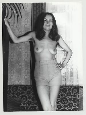 Very Hairy Darkhaired Mature Nude 2 / Armpits - Thighs (Photo DDR B/W 70s/80s)