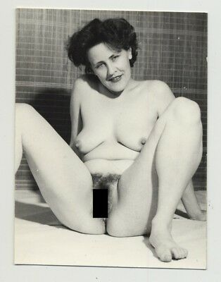 Cheeky Mature Nude Woman Flirts With Camera (Vintage Photo PC 40s/50s)