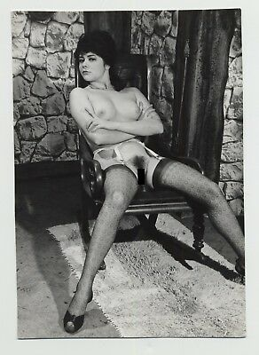 Luscious Tall Nude In Lounge Chair / Bush - Stockings (Vintage Photo B/W)