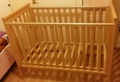 Mamas and papas cot (baby metro)
