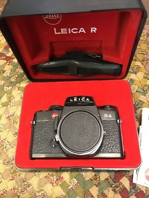 Leica Leitz R  R4 Camera With Case And Manual