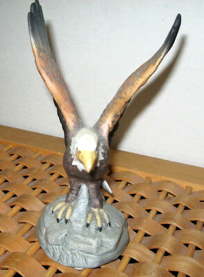 American Eagle - Porcelain Figurine / Sculpture Apex Quality China