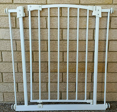 Baby Child Safety Gate Pet Barrier Auto Close Swing Shut