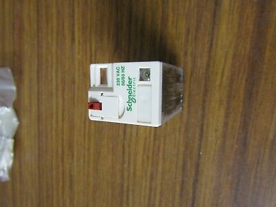 Schneider 14 pin relay 230 Vac coil 4PDT,6 A with ed - RXM4AB2P7 - S1 6529024