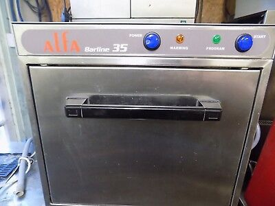 alpha glass washer / glasswasher holds 12 tall  pints only 12 months used