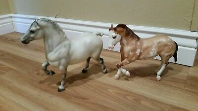 Lot of 2 vtg Beyer horses Grey Belgium and chestnut pinto