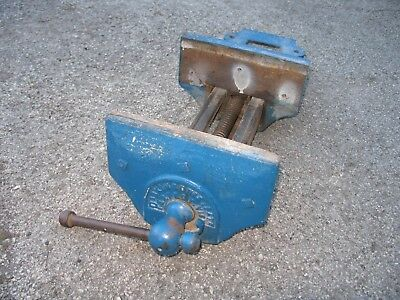 Quick release woodwork vice