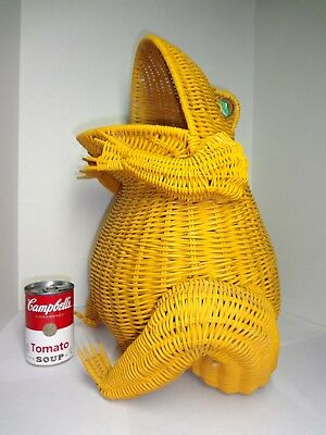 "Vintage Wicker Rattan Frog Basket Glass Marble Eyes Yellow 18"" Home Decor Toad"