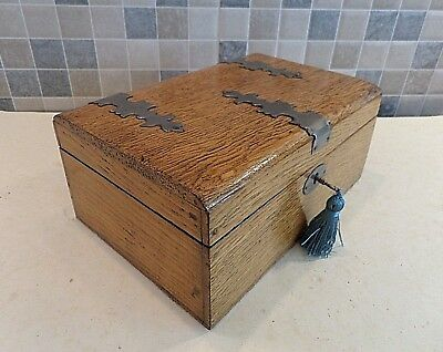 VICTORIAN 19thC GOTHIC REVIVAL SOLID OAK BOX WITH LIFT OUT TRAY- GOOD LOCK & KEY