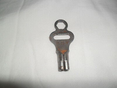 Union Hardware Co Clock Winding Key Vintage Size 11 / 5.1mmTorrington Ct USA  OP
