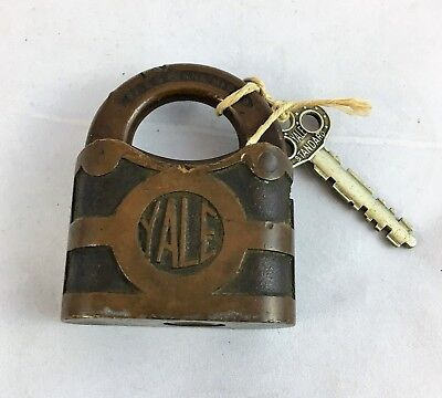 Antique Yale & Towne Padlock Y&T MFC Co Stamford Conn. USA Working Original Key