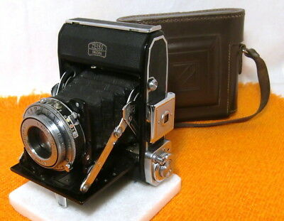 ZEISS IKON  Ikonta 521 Prontor SV, mit Novar 1:5,4 /75 mm (1938-1943). Gut.