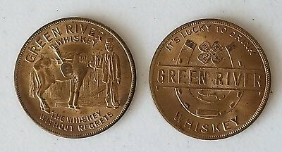LOT OF 2 VINTAGE 1930's GREEN RIVER WHISKEY LUCKY HORSESHOE BRASS MAGIC TOKENS